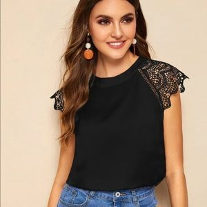 NWOT Lace sleeved blouse